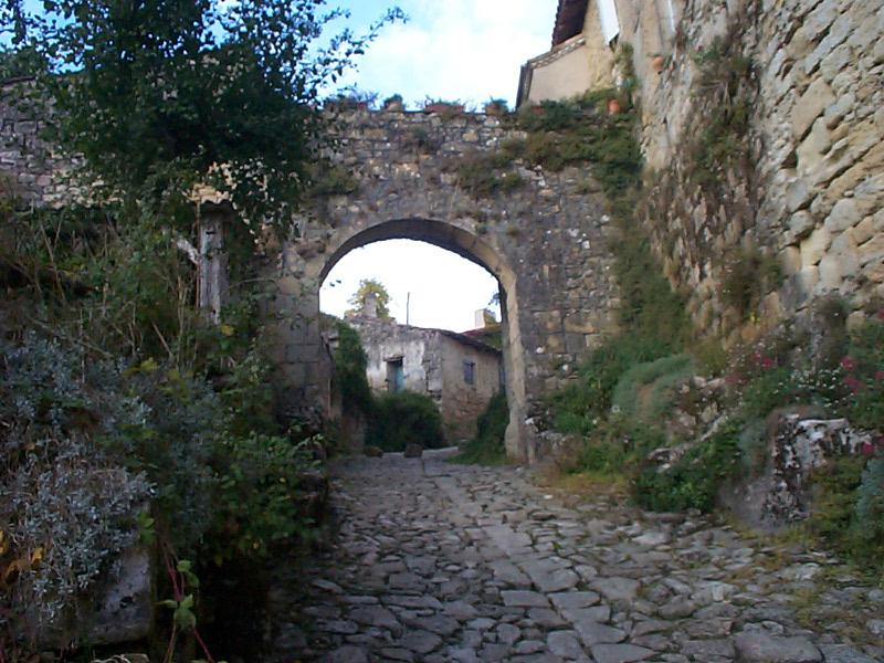 Castelmoron1 /