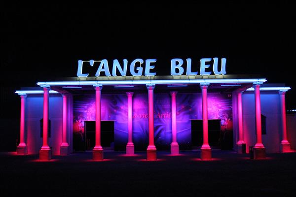 "Music-Hall ""L'Ange Bleu"""