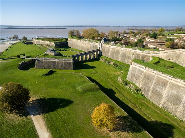 Guided tour of the Citadel of Blaye via its underground passages + history museum